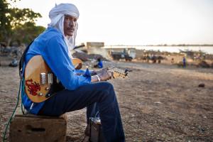 mali-blues_still_03_copyright-ahmed-ag-kaedi-konrad-waldmann_press